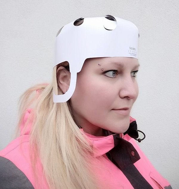 Papírová helma